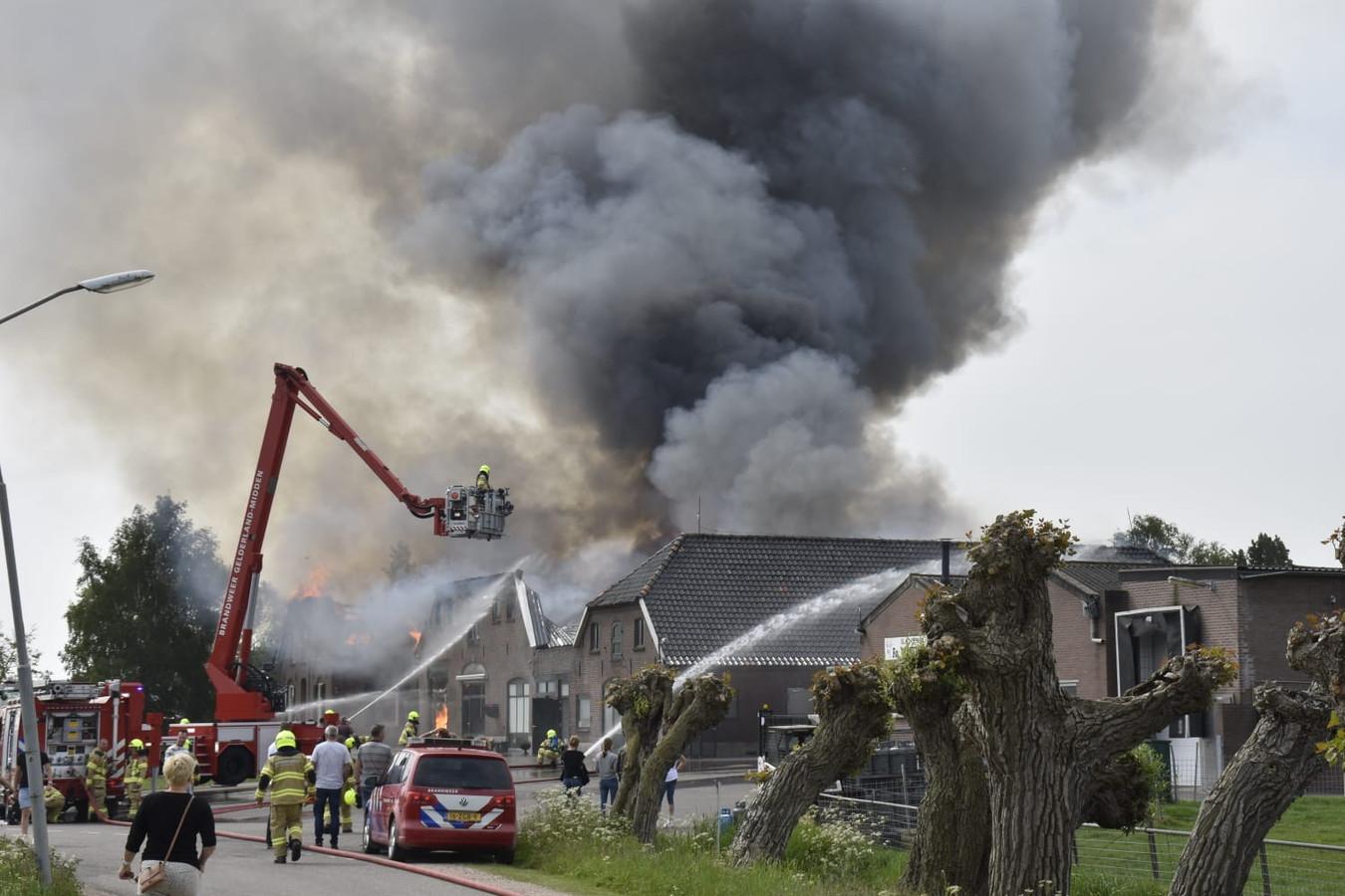 De rookontwikkeling in Herveld.