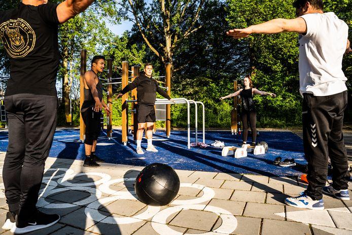 Buiten sporten in de Arnhemse wijk Kronenburg.