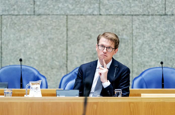 Minister Sander Dekker (Rechtsbescherming) tijdens het debat in de Tweede Kamer over de moord op Anne Faber.