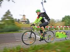 Marcel Herrewijn (52) is eerste fietskoerier van Gorinchem