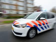 Man in gezicht getrapt door twee daders in Leunen, slachtoffer naar ziekenhuis