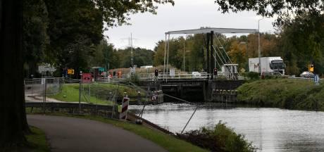 Onderzoek bij sluizen 8 en 9 in Helmond als voorbereiding op de vervanging van de sluizen