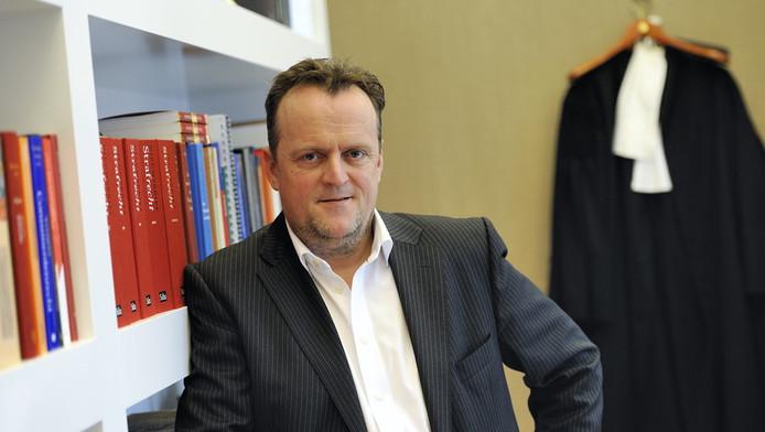 Advocaat RIchard Korver roept op tot terughoudendendheid op zijn website. © ANP