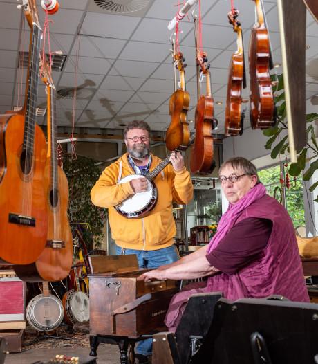 Werners Rare Music Shop houdt verhuismarkt nu vertrek uit Epe nadert