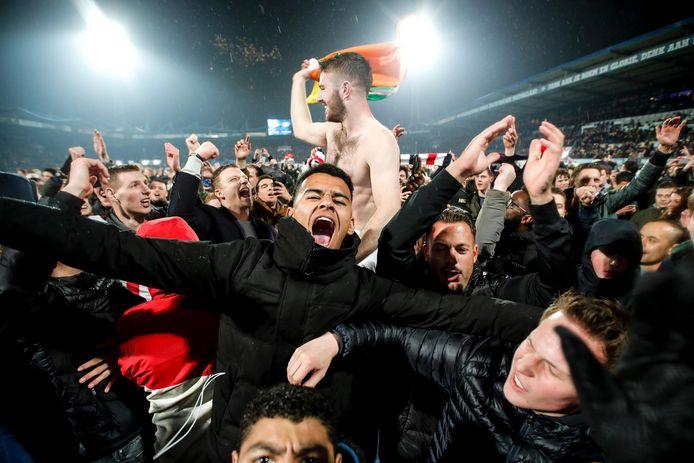 Er barstte een volksfeest uit nadat Willem II vorig seizoen AZ had uitgeschakeld in het bekertoernooi.