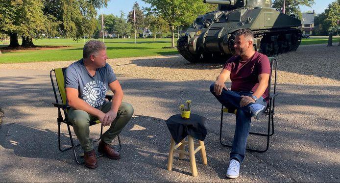 In de Les van Vites praten De Gelderlander verslaggever Lex Lammers en Vitesse supporter Bjorn Courbois over het nieuwe Airborne-tenue van de Arnhemse club.