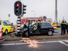Vrouw uit IJsselstein overleden na aanrijding met verkeerspaal A12