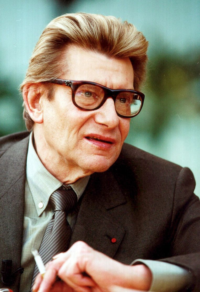 Yves Saint Laurent in 2001.  Beeld null