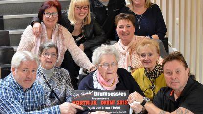 Erna (101) trommelt Kortrijk Drumt op gang