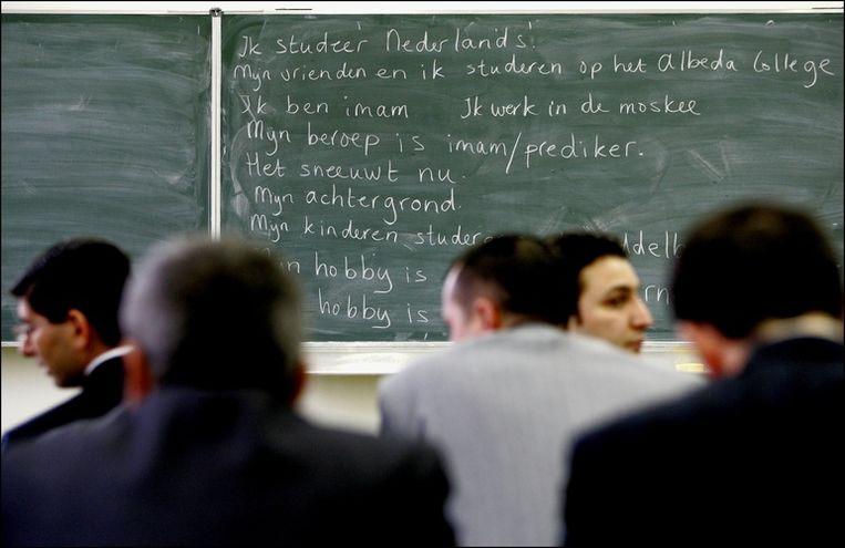 Vorige week werd bekend dat inburgeren in Amsterdam twee keer zo duur is als in nabijgelegen gemeenten. Foto ANP/Robin Utrecht Beeld