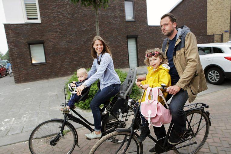 Janno Lanjouw met zijn gezin Beeld Jan Dirk van der Burg