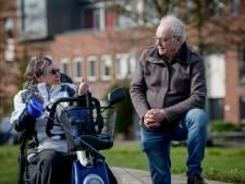 Tv-journalist Jan van Loenen uit Enschede: na 44 jaar en 2000 reportages nog steeds bovenop het nieuws