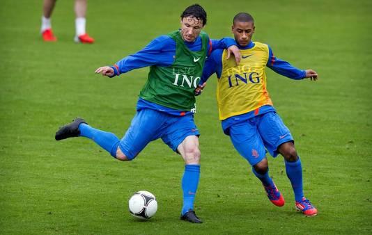 Van Bommel op de training van Oranje.