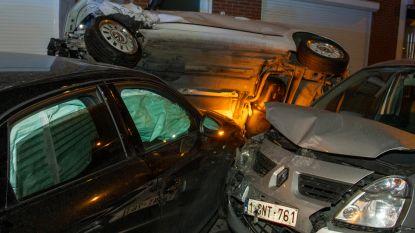 Ravage op de Naamsevest: Audi ramt geparkeerde wagens