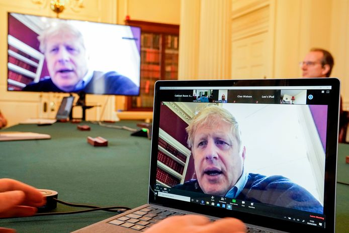 Récemment testé positif au covid-19, le Premier ministre britannique Boris Johnson est pointé du doigt pour une prise de conscience très tardive