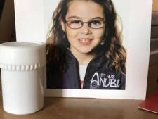 """Dieven stelen jas met laatste foto van Jordy en zijn overleden zusje (10): """"Emotioneel van heel grote waarde"""""""