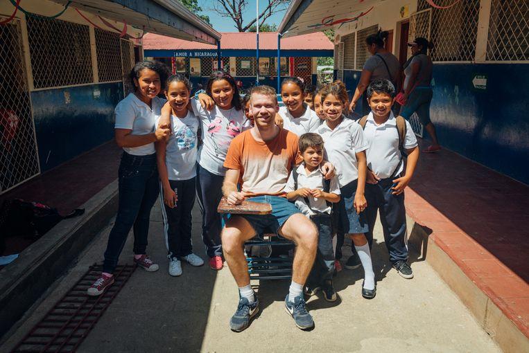 Tom keerde een jaar na zijn vrijwilligerswerk met straatkinderen voor Vranckx terug naar Nicaragua.