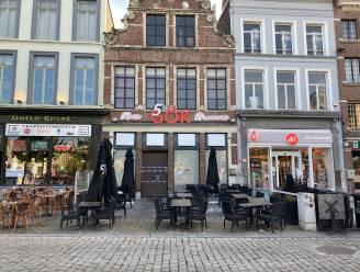 Zaakvoerder van 5th Gök op Vrijdagmarkt minstens maand langer in de cel na inval in restaurant