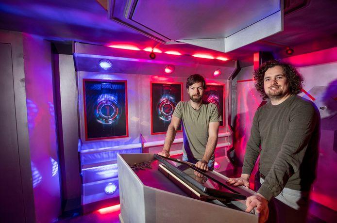 """Rutger Kroes en Joeri Versteegen (rechts) van Escape Room Wageningen, hun nieuwe escape room """"The Final Battle"""" kan door het coronavirus nu niet in gebruik worden genomen."""