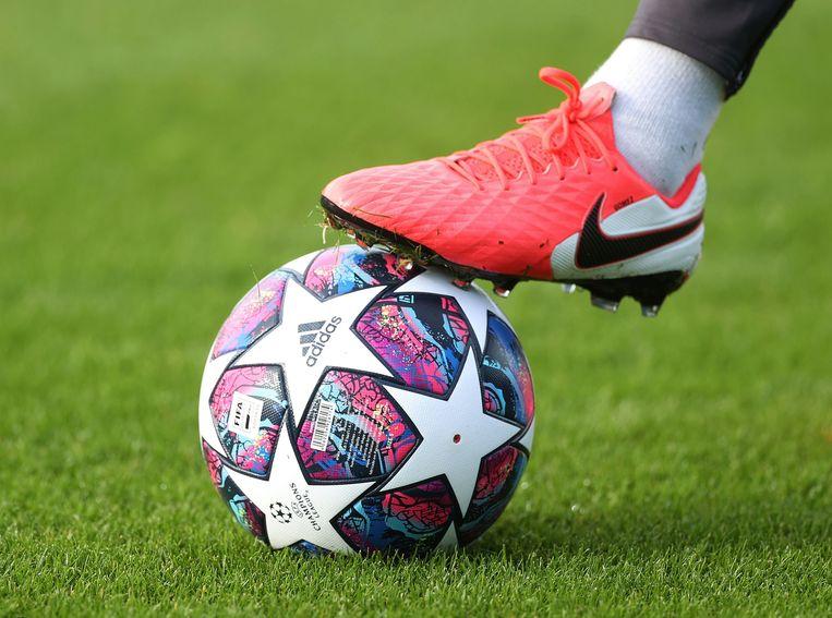 Enkel ploegen uit de vijf grootste Europese competities zitten bij de laatste zestien van de Champions League.