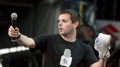 Rapper Mike Skinner verdraait schouder na crowdsurfen