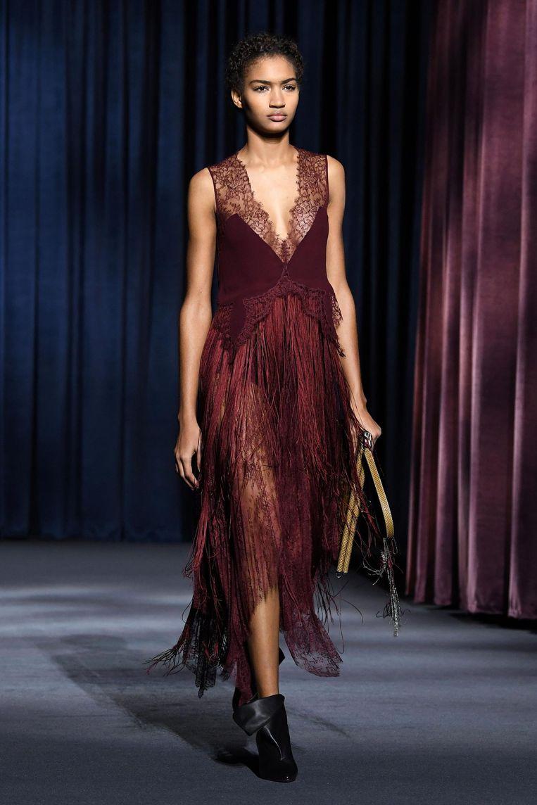 Een jurk uit de herfst/wintercollectie 2018/2019 van Givenchy. Beeld afp