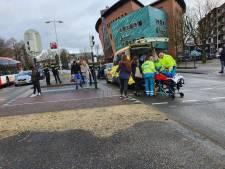 Twee gewonden bij botsing tussen scooter en auto op Stadsring