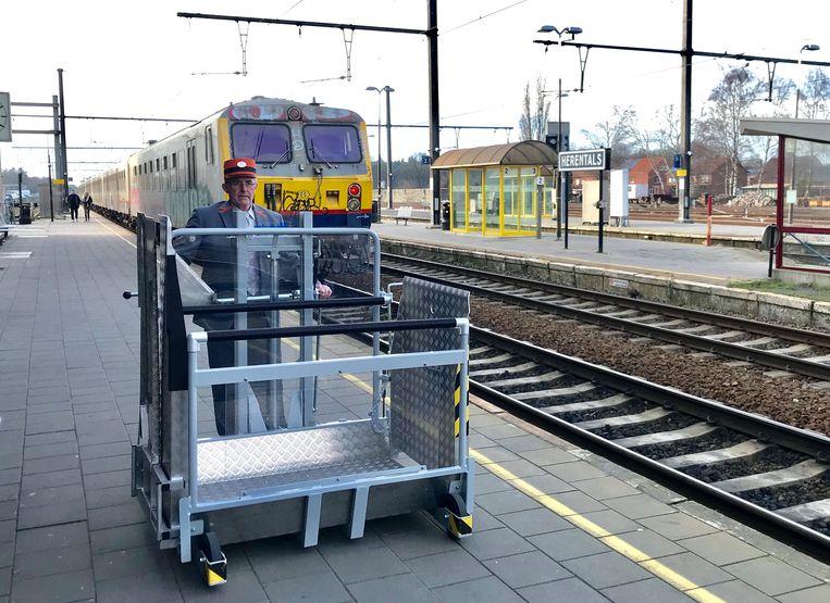 In het station in Herentals dien je 24 uur op voorhand te reserveren voor assistentie.