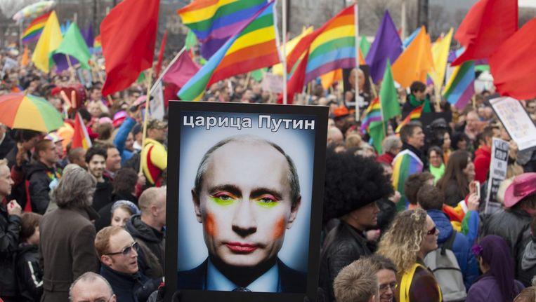 8 april 2013: Amsterdammers protesteren bij een bezoek van Poetin. Beeld reuters