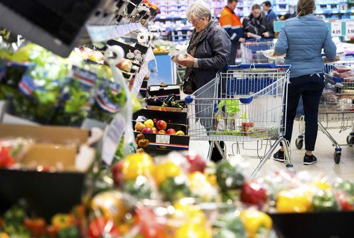 OOSTERHOUT - Supermarkten halen hoge omzetten tijdens de feestdagen.
