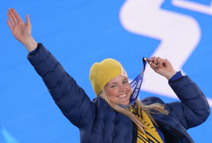 Anna Holmlund met haar bronzen medaille in Sotsji.