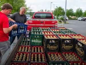 Un village allemand achète tout le stock de bières pour empêcher la tenue d'un festival néo-nazi