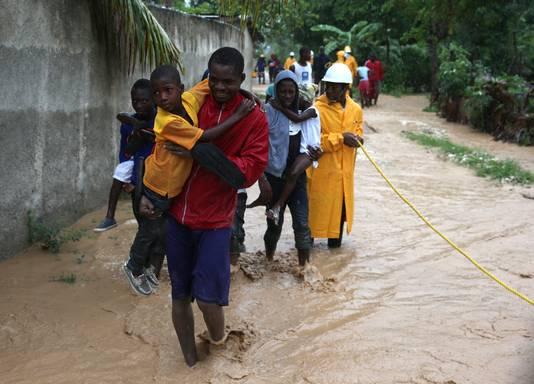Hevige modderstromen in Haïti na orkaan Matthew.