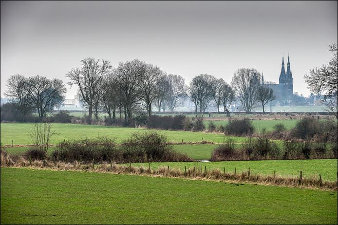 Het Maasheggenlandschap van Mook en Middelaar, met uitzicht op Cuijk.