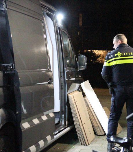 650 kilo illegaal vuurwerk gevonden in kelderboxen in Delft: 'Moet er niet aan denken dat het in brand vliegt'