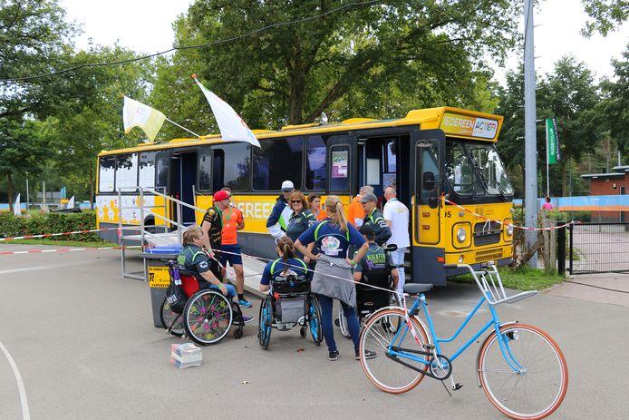 De Iedereen Actief-Bus is dit jaar al circa twintig keer in Salland 'on tour' geweest.  Iedereen Actief regio Salland heeft tot en met  2023 jaarlijks 45.000 euro nodig.