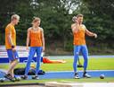 Rik Thaam, Emma Oosterwegel en Pieter Braun in actie tijdens de training, voorafgaand aan de teampresentatie voor de WK Atletiek in Doha.