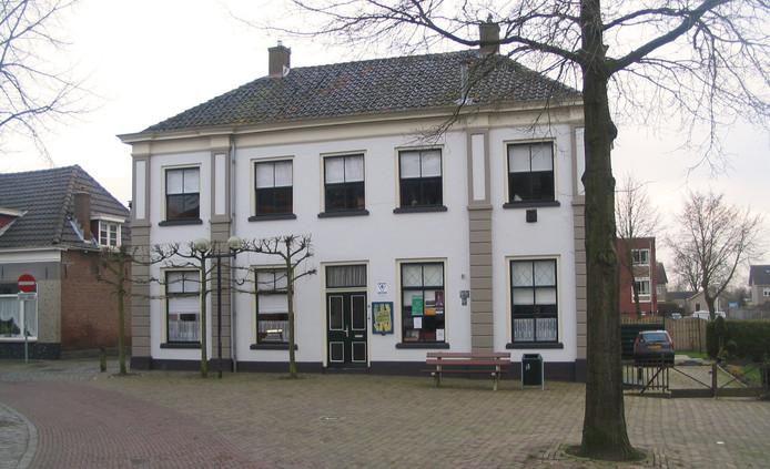 Het pand aan de Kerkstraat waar in 2021 huurappartementen worden opgeleverd.