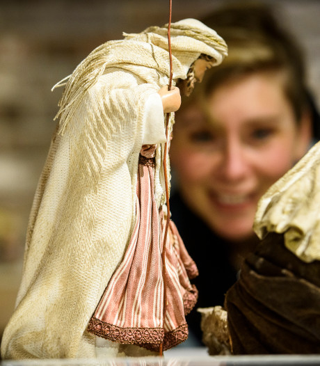 Kerststallen in Museum 't Oude Slot in Veldhoven: 'Dit is goed om in de kerststemming te komen'