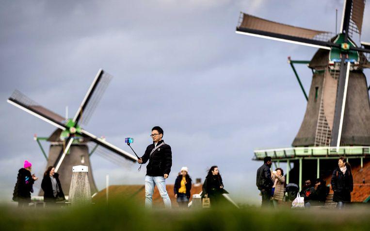 Toeristen op de Zaanse Schans. Beeld ANP