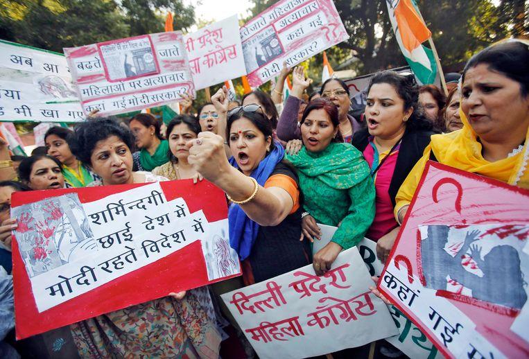 Vrouwen protesteren tegen de verkrachting van vrouwen na het incident, vorig jaar december. Beeld reuters