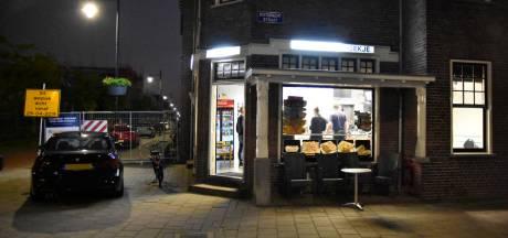 Overvaller (16) Arnhemse cafetaria 't Hoekje meldt zich zelf bij politie vóór uitzending 'Opsporing Verzocht'