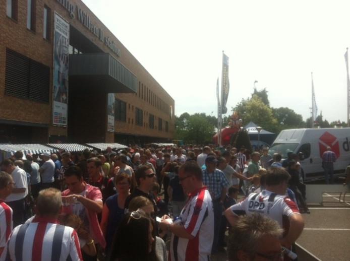 Drukte op de open dag van Willem II