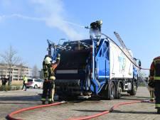 Lading van vuilniswagen vat vlam in Alphen