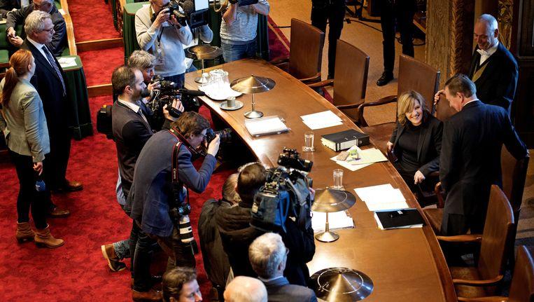 Pia Dijkstra en minister Bruno Bruins van Medische Zorg en Sport bij aanvang van de stemming in de Eerste Kamer. Beeld anp