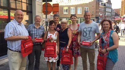 Sp.a deelt herbruikbare tassen uit