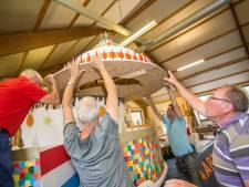 Bouwen van praalwagens bindt bewoners van Vierakker-Wichmond