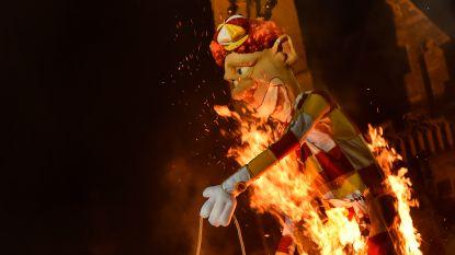 IN BEELD: Carnaval Aalst: prins De Meyst steekt de pop in brand, keizer Kamiel weerklinkt door boxen met 'Doeme Voesj?!'