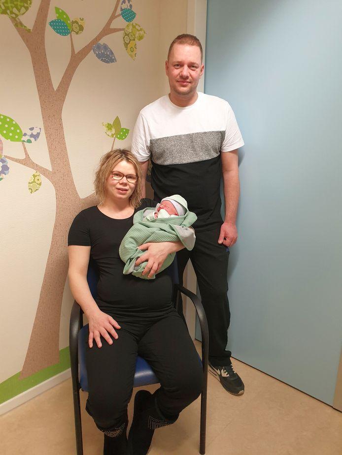 Roan Hoogerdijk is de eerste Zoetermeerse baby van 2021. Roan werd geboren in het LangeLand ziekenhuis in Zoetermeer.  De ouders zijn Jessica Visser en René Hoogerdijk.