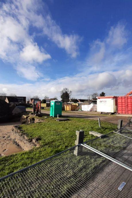 Rechter: bouw van huizen in Hansweert mag onder strenge voorwaarden worden hervat